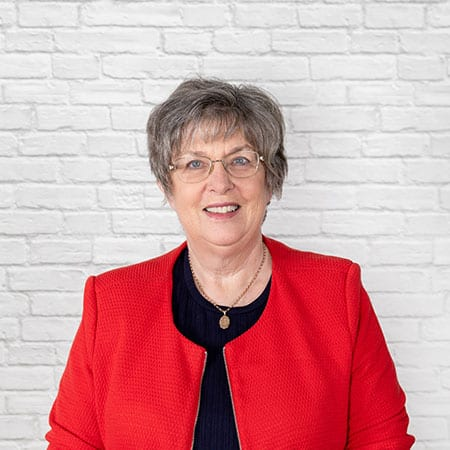 Lynne Davis<br><h6>Office All-Rounder</h6>